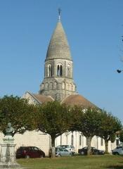 Eglise Saint-Maurice - English: church of Montbron, Charente, SW France
