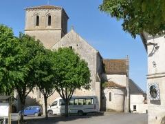Eglise Saint-Hippolyte - Français:   Eglise de Moulidars, Charente, France