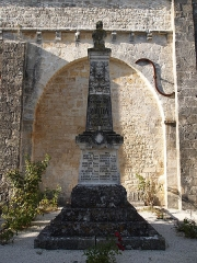Eglise Saint-Martial - Français:   monument aux morts de Mouton en Charenet (France)