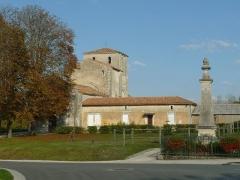 Eglise Saint-Hilaire - English: romanesque church of Péreuil, Charente, SW France