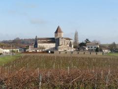 Eglise Saint-Pierre - Français:   église de Reignac, Charente, France