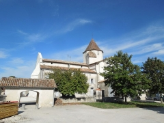 Eglise Saint-Pierre - English: Reignac, Église Saint-Pierre, seen from the south
