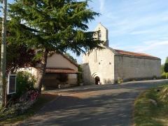Eglise de Saint-Sulpice - Français:   église de St-Sulpice-de-Ruffec, Charente, France