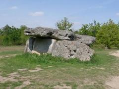 Dolmen dit de Garde Epée - Français:   dolmen de Garde-Epée, St-Brice, Charente, France