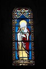 Eglise Saint-Claud - Deutsch:   Katholische Kirche Saint-Claud in Saint-Claud im Département Charente (Nouvelle-Aquitaine/Frankreich), Bleiglasfenster mit der Signatur: L.V.Gesta Toulouse; Darstellung: Heilige Adelgundis?