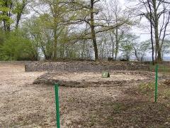 Théâtre gallo-romain dit des Bouchauds -  sanctuaire au sommet du théâtre gallo-romain des Bouchauds