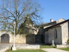 Eglise Saint-Pierre - Français:   Château et église de Sers, Charente, France