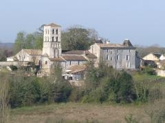 Eglise Saint-Pierre - Français:   Vue de Sers depuis la route de Jean de Sers, Charente, France