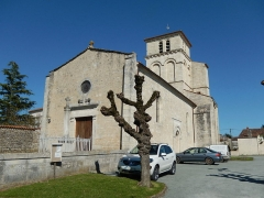 Eglise Saint-Martin - Français:   L\'entrée de l\'église Saint-Martin d\'Archingeay (Charente-Maritime, France).