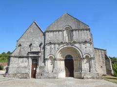 Eglise Saint-Martin - English: Arthenac: church Saint-Martin, western facade