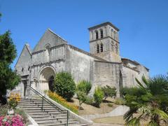 Eglise Saint-Martin - English: Arthenac: village church Saint-Martin