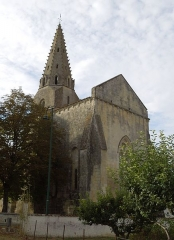 Eglise Notre-Dame - English: Avy, village church Notre-Dame, seen from southeast