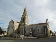 Eglise Notre-Dame - English: Avy, Notre-Dame, north side