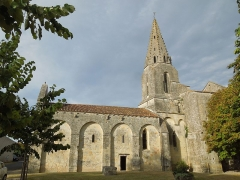 Eglise Notre-Dame - English: Avy, village church Notre-Dame, seen from the south