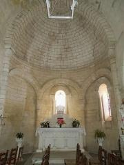 Eglise Saint-André - English:   Clion, Église Saint-André, altar and apse