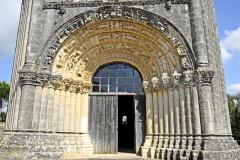 Eglise Notre-Dame - Deutsch: Fenioux, Fassade, Archivoltenhauptportal