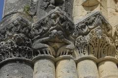 Eglise Notre-Dame - Deutsch: Fenioux, Hauptportal, Kapitelle, links außen