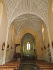 Eglise Saint-Pierre - English: Église de Fléac-sur-Seugne, village church Saint-Pierre, nave