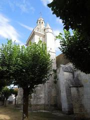 Eglise Saint-Pierre - English: Fléac-sur-Seugne, the village church Saint-Pierre