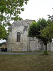 Eglise Saint-Pierre - English: Germignac, church Saint-Pierre, seen from northeast