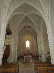 Eglise Saint-Pierre - English: Germignac, church Saint-Pierre, nave