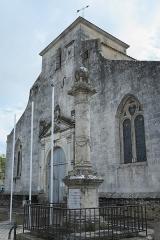 Eglise Saint-Pierre - Deutsch: Kirche Saint-Pierre in Hiers-Brouage im Département Charente-Maritime (Nouvelle-Aquitaine/Frankreich), Denkmal für Samuel de Champlain