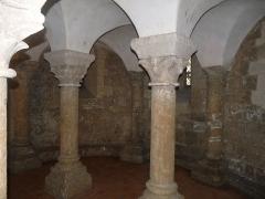 Eglise Saint-Martin - Français:   Crypte, église St-Martin, île d\'Aix, Charente-Maritime, France