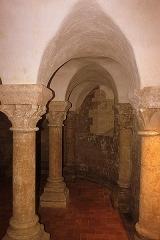 Eglise Saint-Martin - Français:   Crypte de l\'église abbatiale Saint-Martin XI°-XII°, Fr-17-Île-d\'Aix.