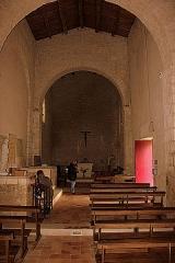 Eglise Saint-Martin - Français:   Intérieur de l\'église abbatiale Saint-Martin XI°-XII°, Fr-17-Île-d\'Aix.