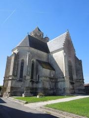 Eglise Sainte-Marie ou Notre-Dame - Deutsch: Die katholische Pfarrkirche Sainte-Marie in Lonzac, gesehen von Nordosten