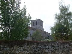 Eglise Saint-Pierre - Français:   Le village de Lussant