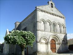 Eglise Saint-Pierre-ès-Liens - English: Médis, France