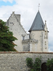 Château - English:   Meux, chateau, view from the South