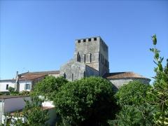 Eglise Saint-Pierre - L'église fortifiée de Mornac sur Seudre