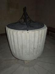 Eglise Saint-Saturnin - English: Église Saint-Saturnin de Mosnac, baptismal font