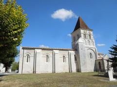 Eglise Saint-Pierre - English: Neuillac, village church