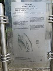Eglise Saint-Laurent - English: Plassac, information board at the village church Saint-Laurent (or Assomption)