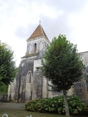 Eglise Saint-Laurent - English: Plassac, village church Saint-Laurent