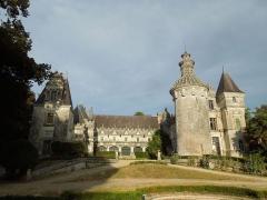 Château des Egreteaux, dit château d'Usson - Deutsch: Château d'Usson. Gesamtansicht von Westen