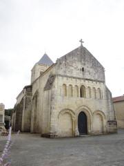 Eglise Saint-Vincent - English:   Reaux, village church Saint-Vincent