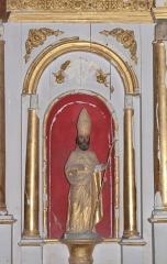 Eglise Saint-Vincent - Français:   Statue d\'un évêque. Détail du maître-autel de l\'église Saint-Vincent de Réaux, Charente-Maritime, Poitou-Charente, France.