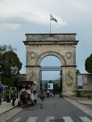 Arsenal - Français:   La Porte de l\'Arsenal à Rochefort (Charente-Maritime)