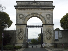 Arsenal - Français:   Porte de l\'arsenal, Rochefort, Charente-Maritime