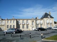 Ancien Hôtel de Cheusse, dit Hôtel de l'Intendance maritime - Français:   Façade arrière de l\'hôtel de Cheusses (côte arsenal)