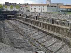 """Formes de radoub de l'arsenal - English: Rochefort (Charente-Maritime, France) - One of the the original twin dry docks known as or the """"double forme"""" or the """"Louis XV Dry Dock"""", designed in the 17th century."""