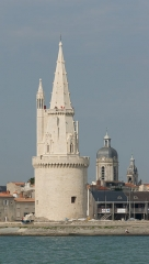 Clocher Saint-Jean - English: Three towers in perspective, La Rochelle, Charente-Maritime, France