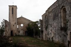 Ancienne église Saint-Pierre-de-Laleu, actuellement salle de sport -  Eglise St Pierre à Laleu.