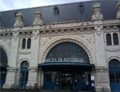 Gare - 中文: 拉罗谢尔站进站口