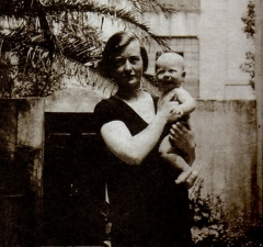 Maison -  Alfredo Di Stefano with mother