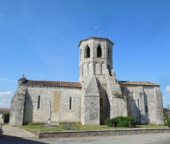 Eglise Saint-Vivien - English: Rouffignac, church Saint-Christophe, viewed from the south